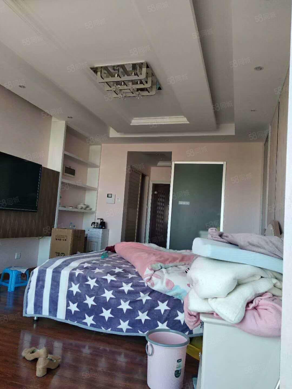 环山路盛世庭园42平豪华装修公寓1000块带全套家具拎包入住