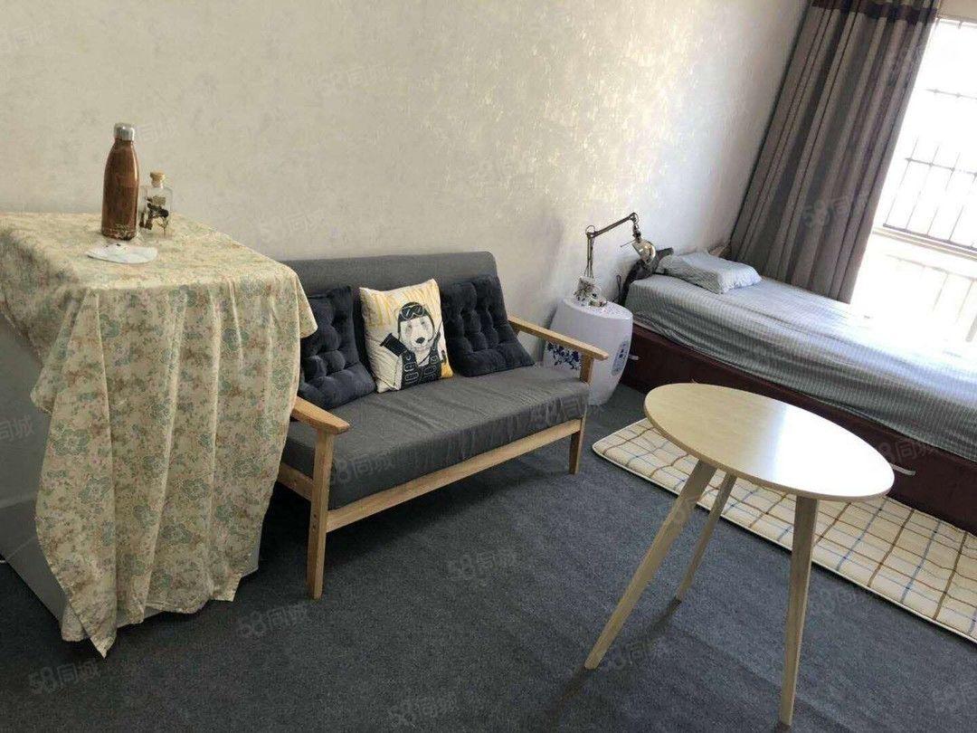 单身公寓采光好,可观景,精装修,一中旁湖畔知城,诚信澳门金沙平台!