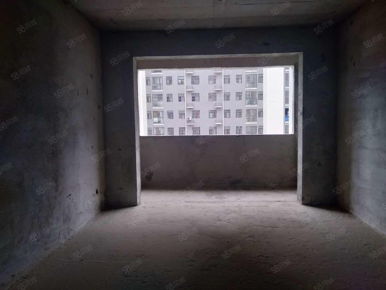 天香阁125平方三室二厅二卫毛坯房带车位急售!!