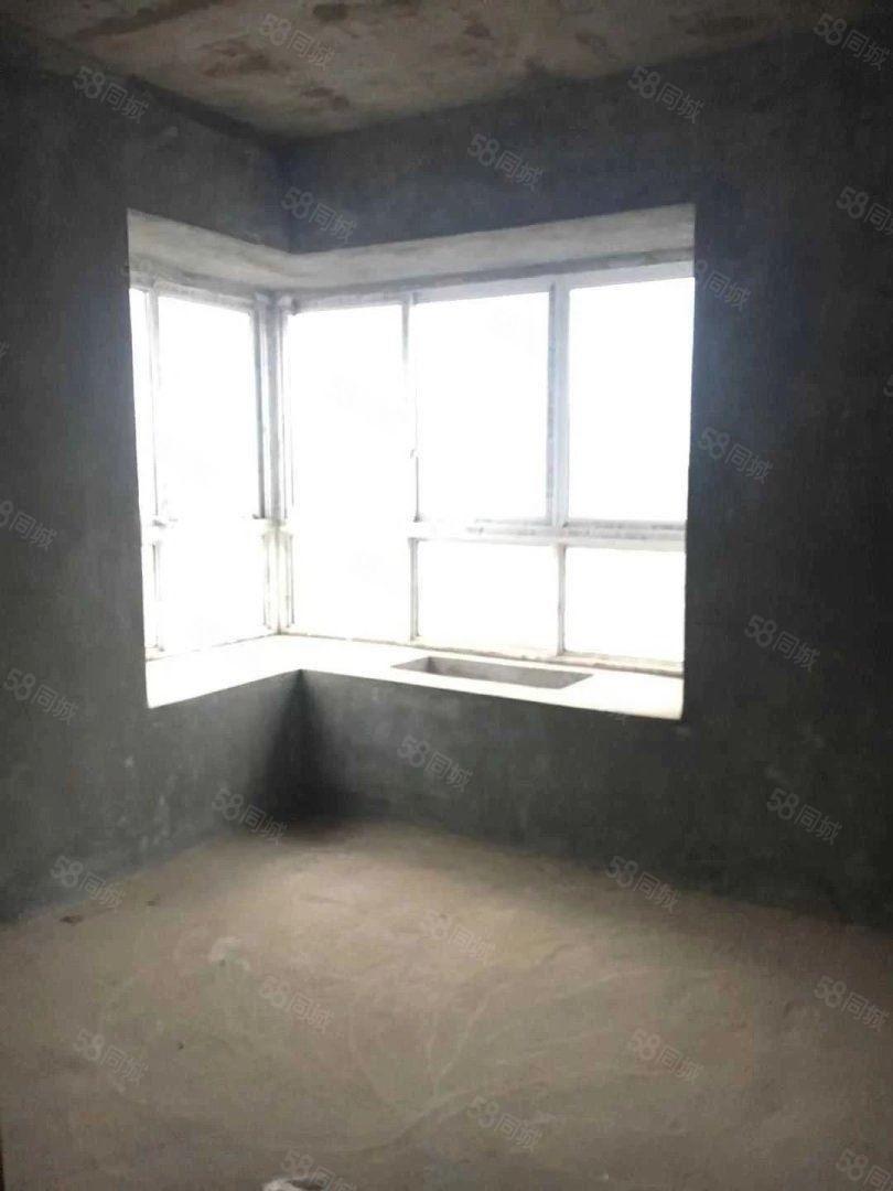 银杏华庭93平,三室两厅两卫,46万