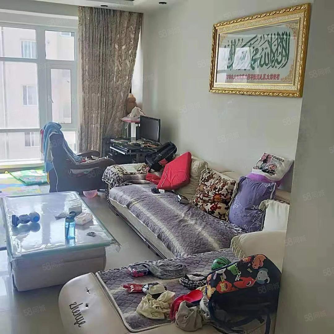 百汇香山5期,标准户型,有房照,可贷款,家具家电齐全