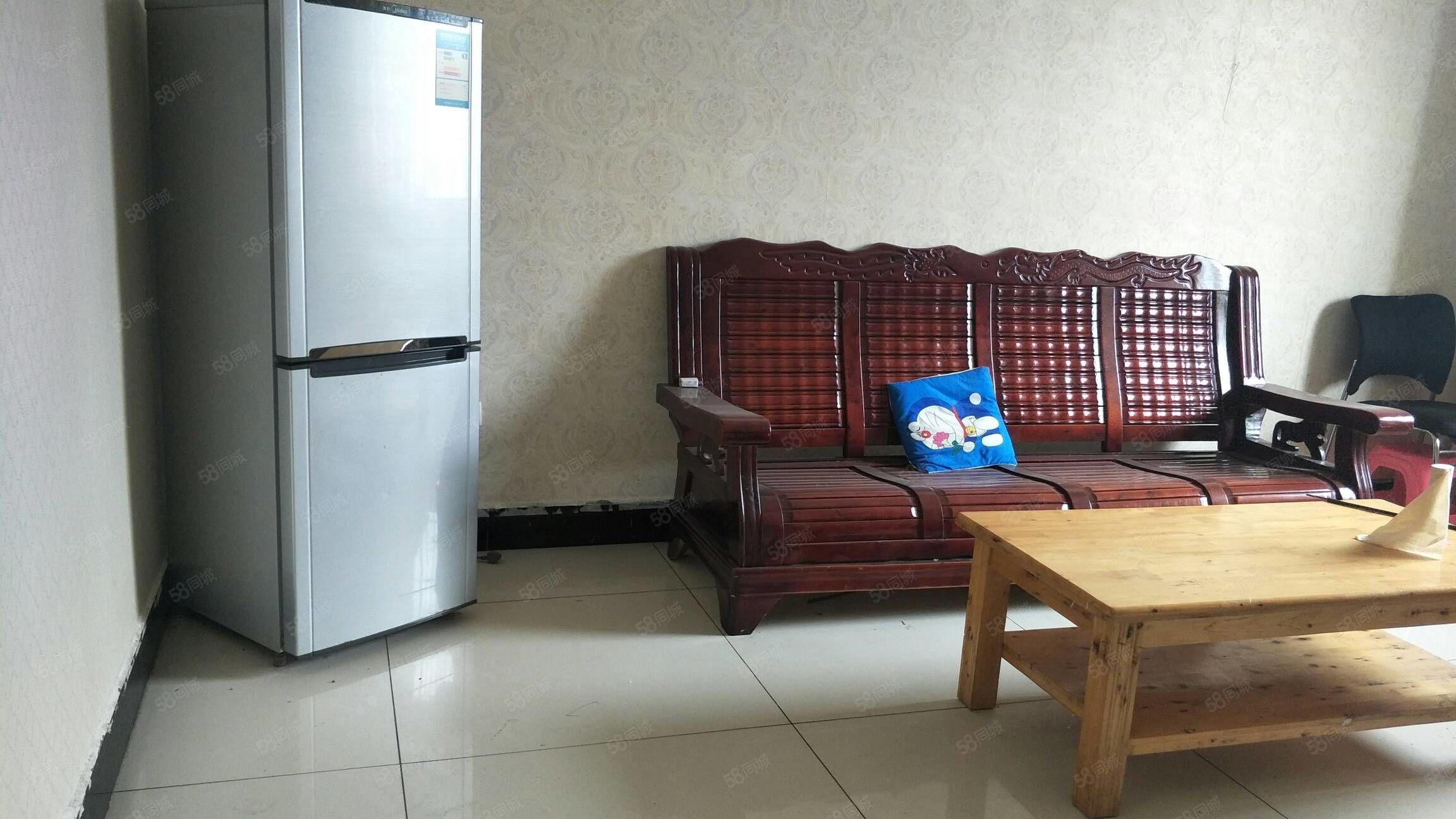 金码头两室一厅一厨一卫全装修诚心租房,电话联系看房方便,