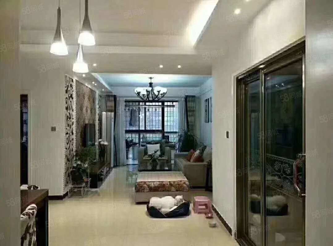 万达熙龙湾,精装两房,一楼,有证可分期可随时看房。