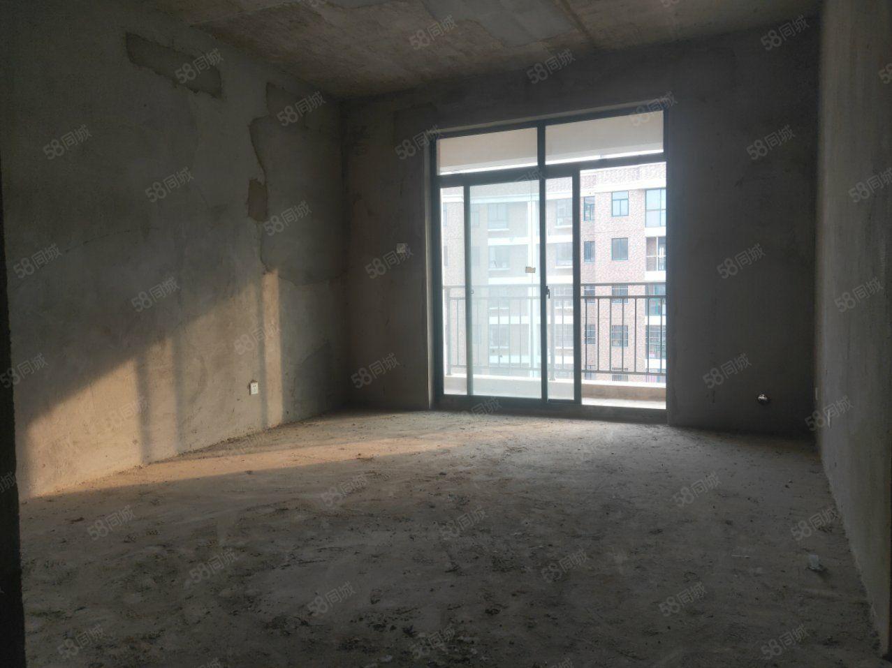 融辉城二期不是顶楼采光无遮挡位置佳仅售52万三房可分期