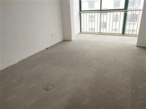 黄海小区三期套二房带35平车库出售