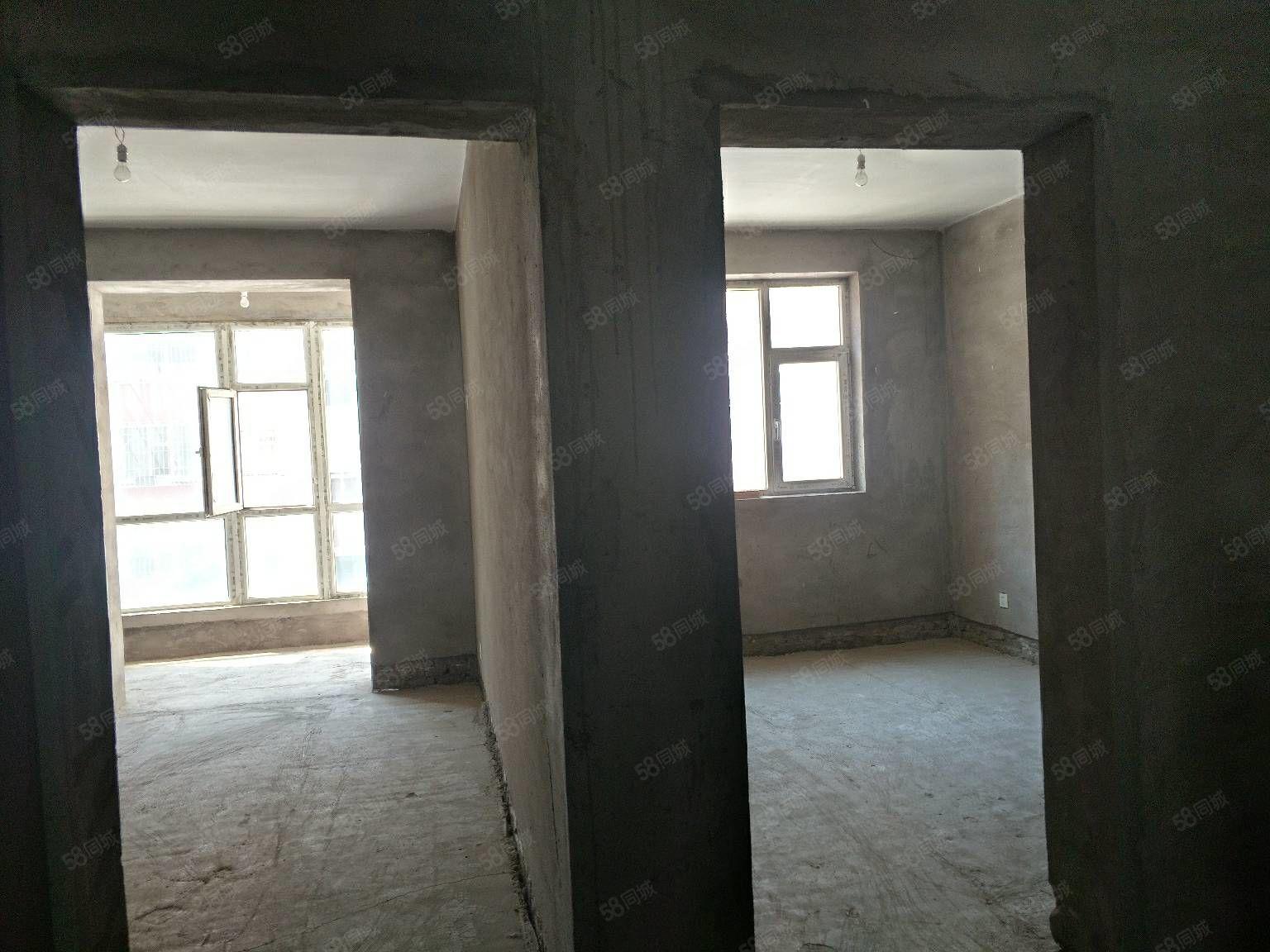 急售天河美域好樓層108平米,陽客廳陽臥室,帶地下室直接寫名