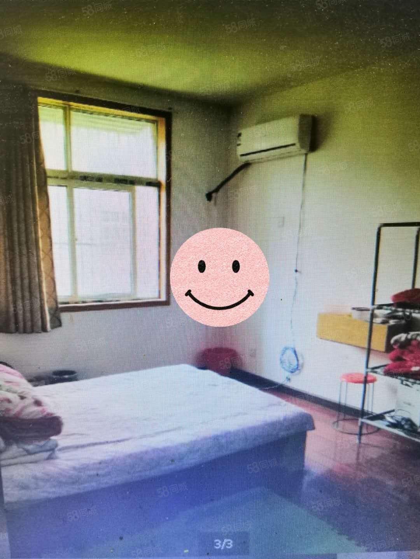 出租駱寨社區三房拎包入住價格可以面議看房方便