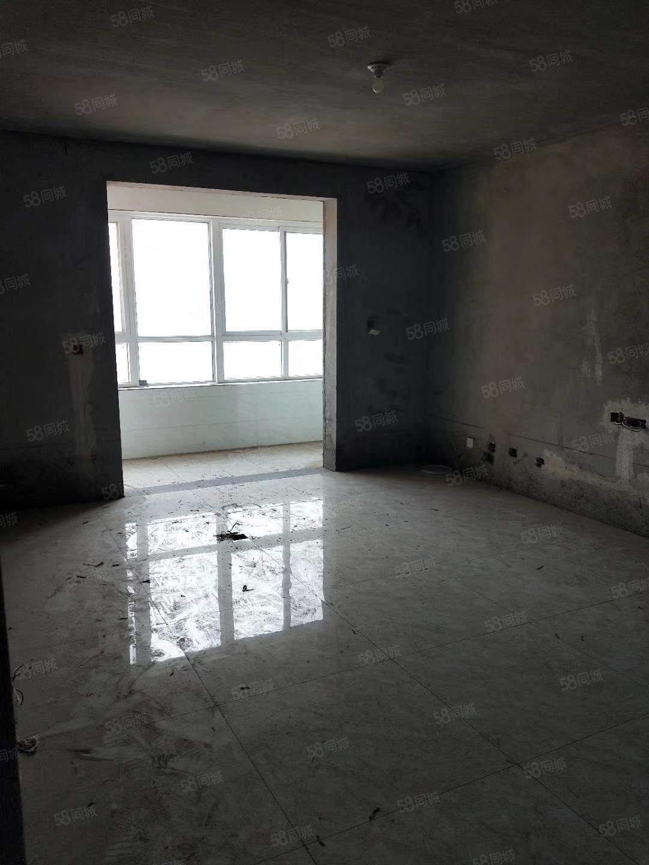五福房产中介房源站前街东段曲山附近3室2厅2卫134平米新房