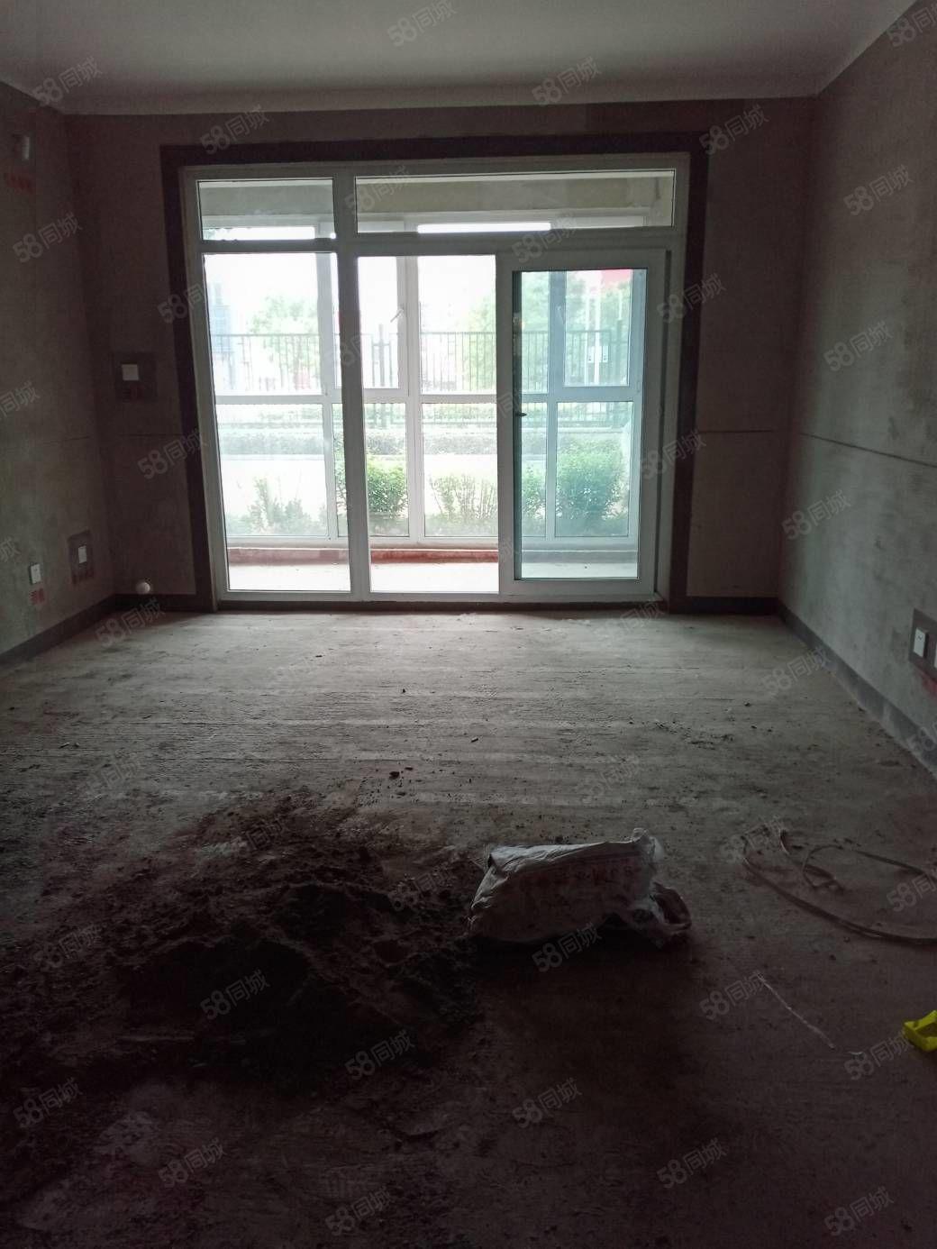 人工湖旁建业城三房两厅两卫一楼毛坯带30平北院