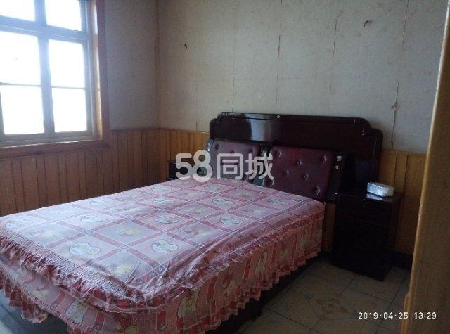杜村东街3室1厅1卫