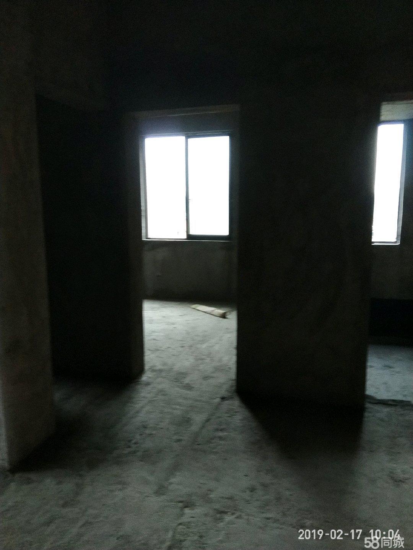 湘�|萍水春天�梯房,3室2�d1�l商品房