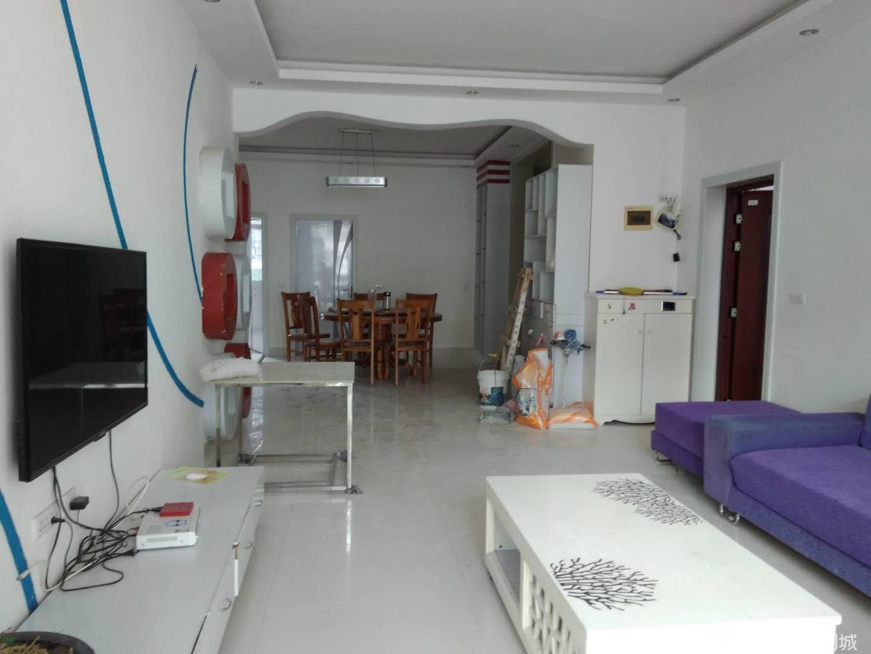 荔波泰龙西苑2楼4室2厅2卫143平米51.8万送10几平米大阳台