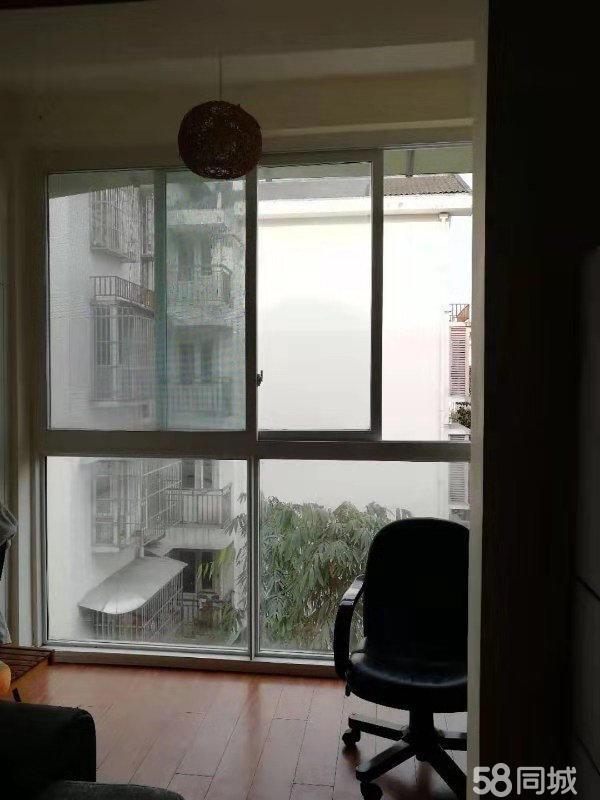 都江堰都江堰城区金江小区北区2室1厅1卫75平米