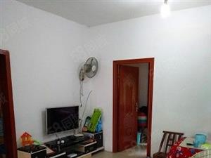保靖县建材市场三室两厅楼梯房