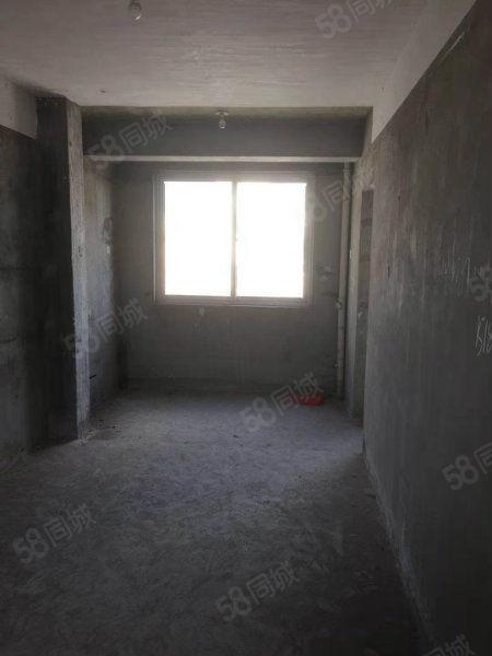永宁路校区西湖一品电梯房高层飞机户型纯毛坯