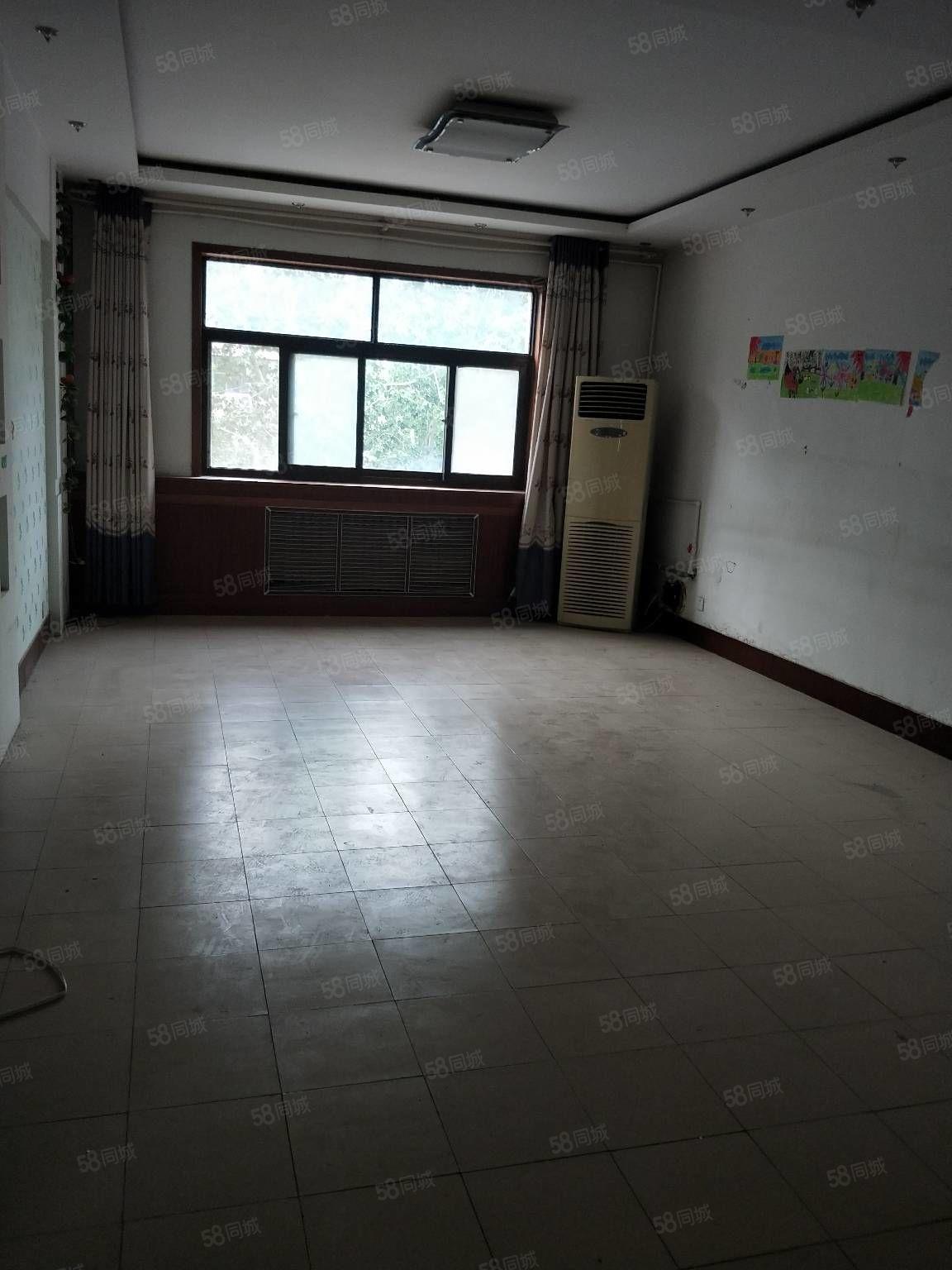 利津财政局家属楼3楼出售,使用面积大紧邻一幼二校,有证可贷款