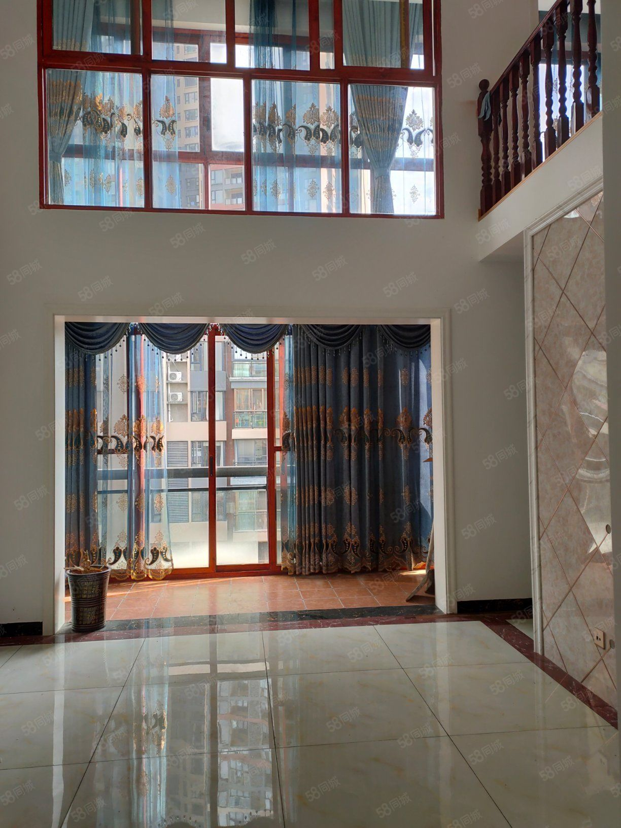 麒龙国际精装电梯复式楼既买既入住