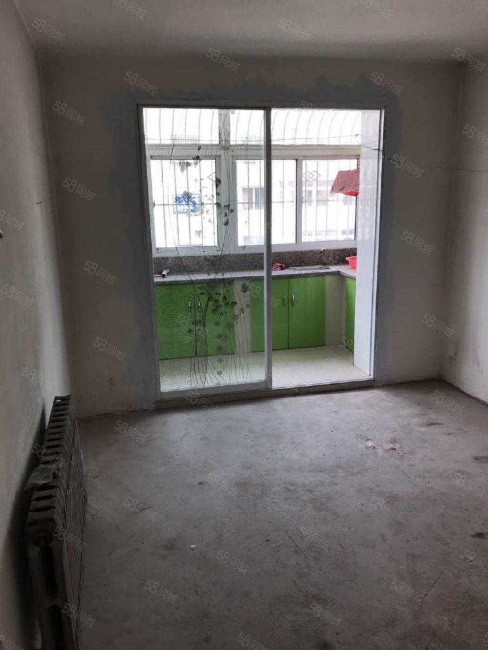 出售桃园小区4楼62平米南北卧室毛坯房全款15万