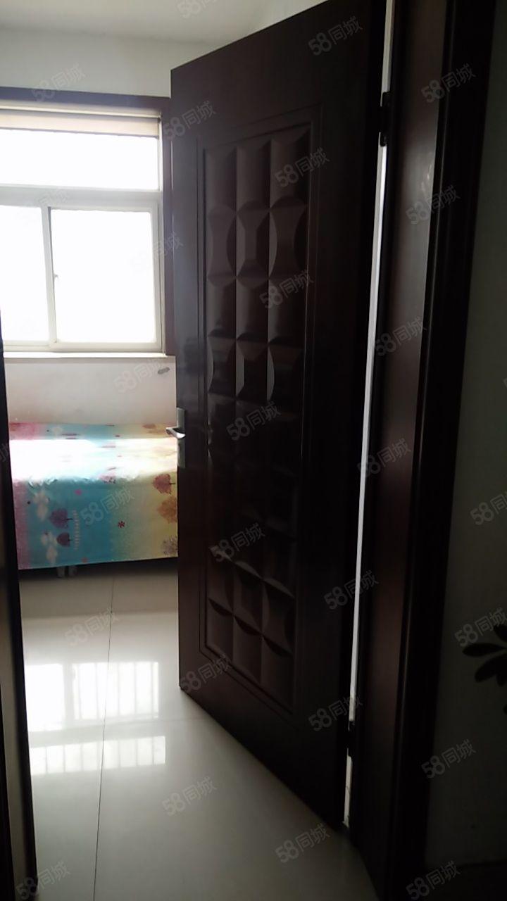 利津二校校内五楼面积90平,有车库储藏室家电家具齐全可伶包入