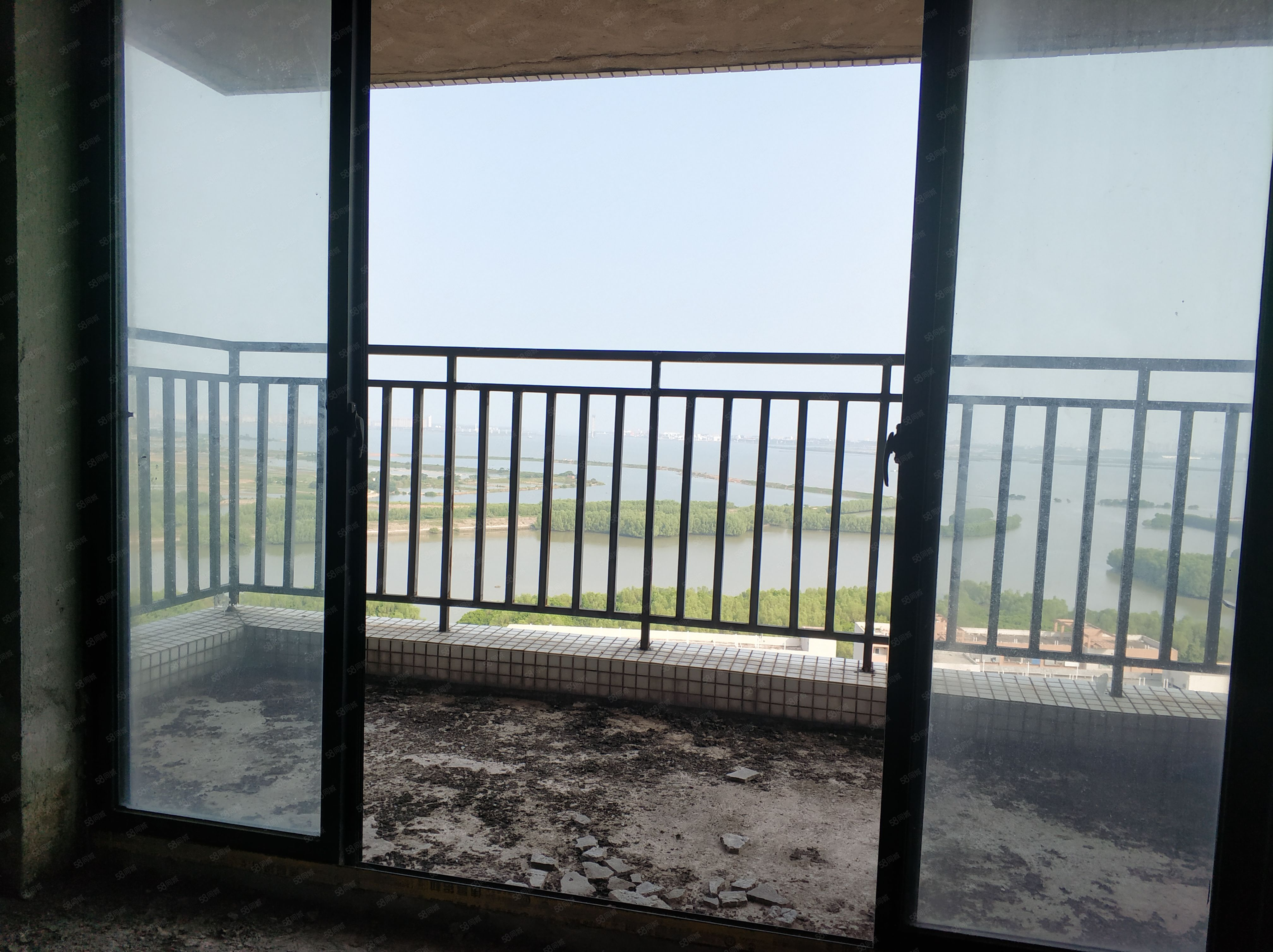 海景明珠3房2厅业主急售,360度一线海景,随时看房!