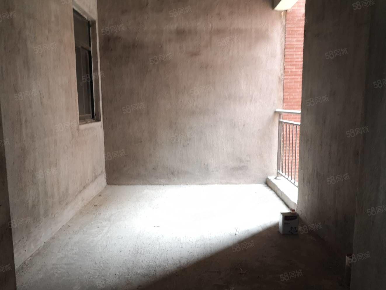 兴盛嘉园电梯房,房东在大城市定居,急售此房