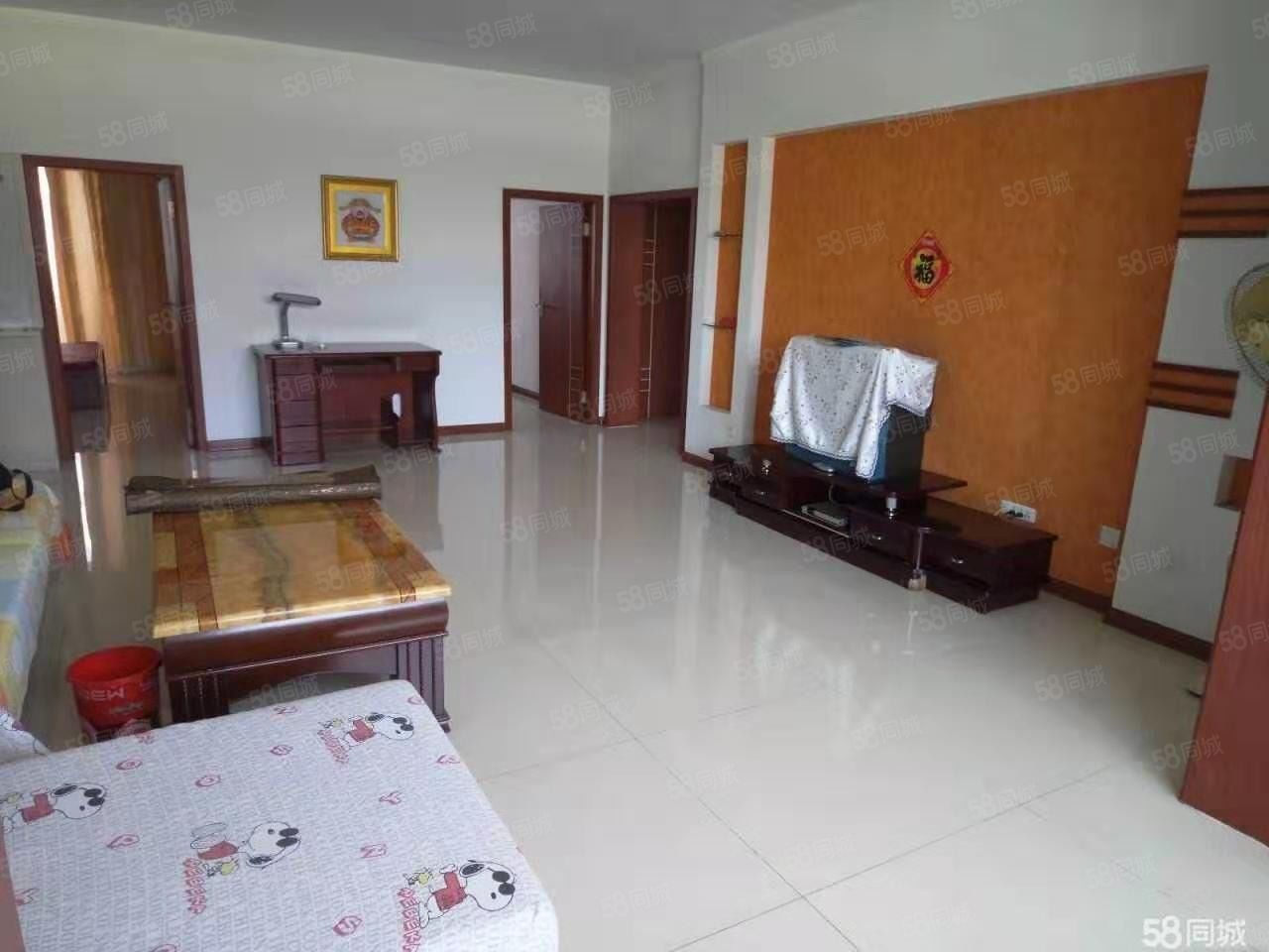 和平广场市委宿舍有3室1厅1卫好房子出租