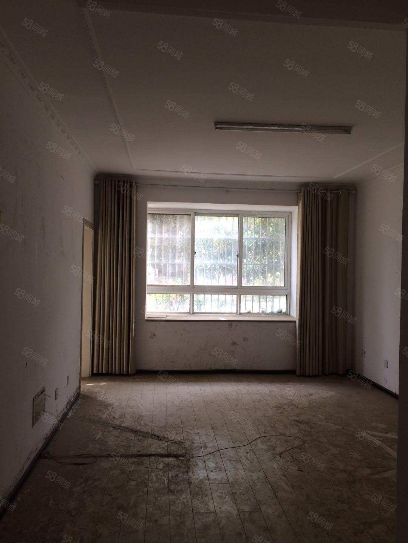 龙润康城一楼三室两厅南北通透采光无遮挡!!!