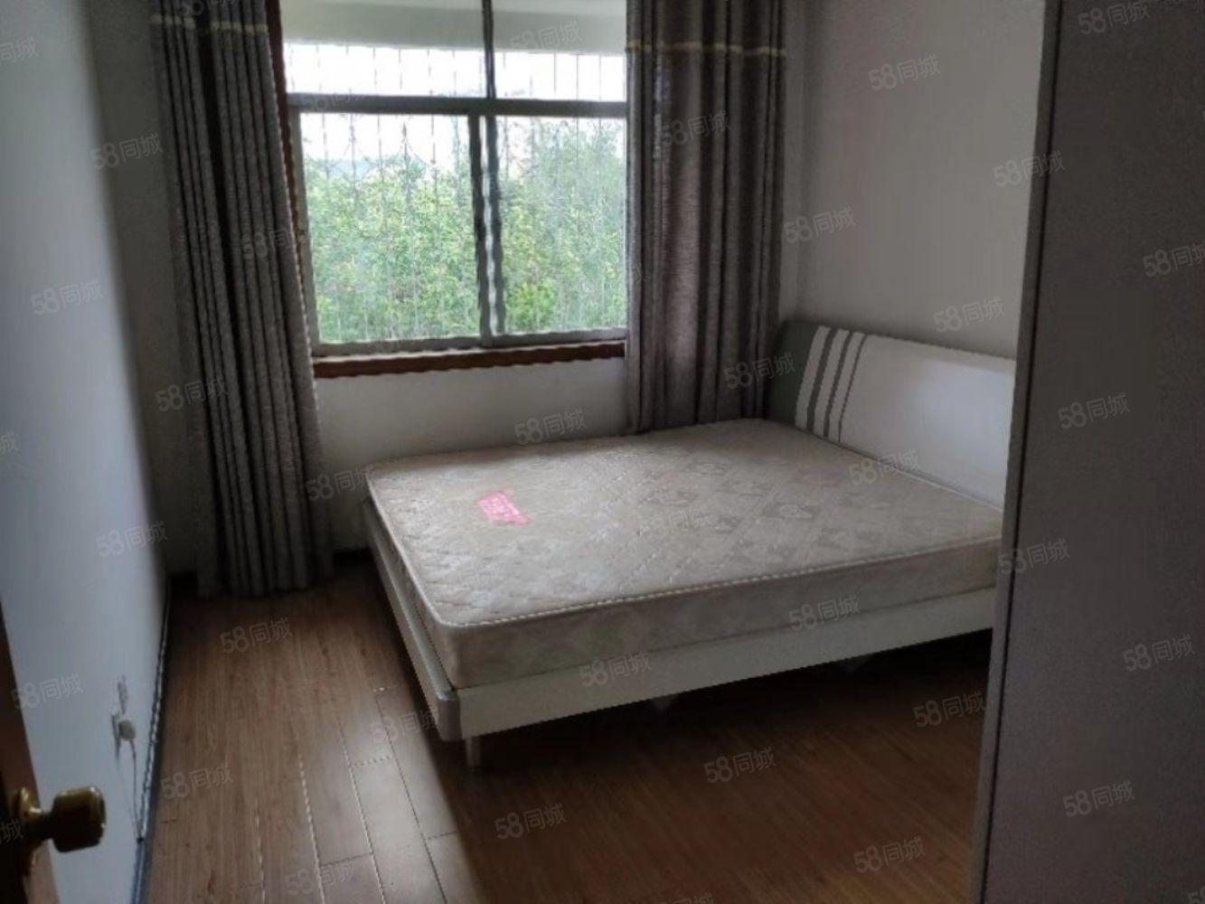 阳光新城2期房屋出租3室2厅2卫空气流通