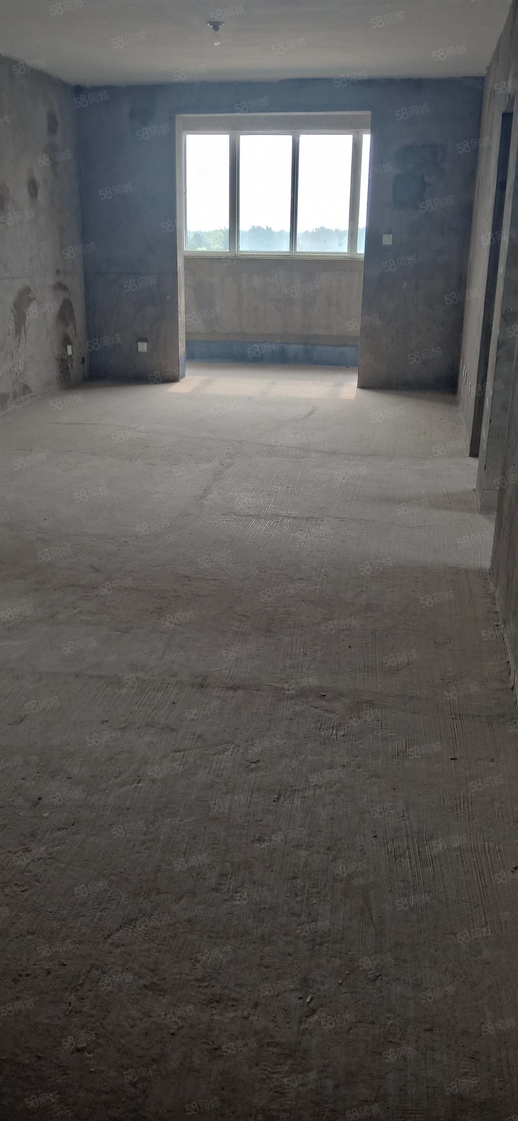 天下景城电梯房东边户带车位储藏室有证可首付可贷款临清华苑