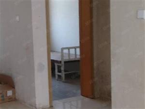 桂林路小区,3室2厅1卫,南北通透户型,仅售34万。