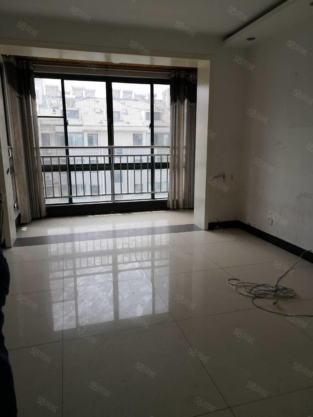 滨江国际花园确权面积是226平方56复式送车库储藏室