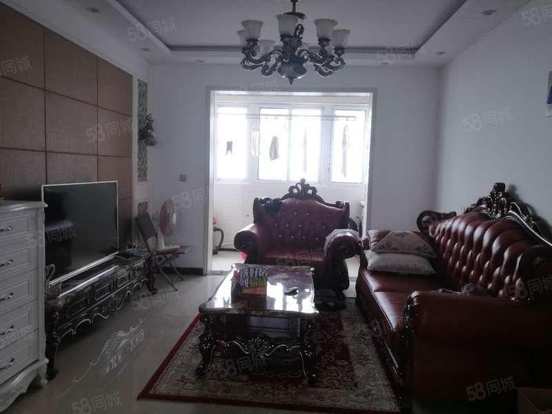 匹克精装大三室带家具家电急售看房方便位置好