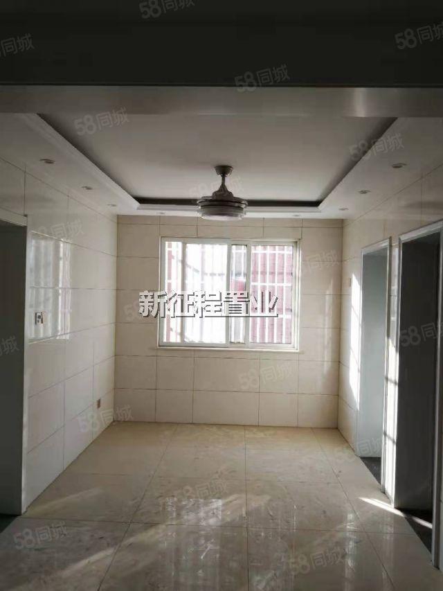 御水華庭三室全新精裝  一住未住 現在關門賣 價格可談