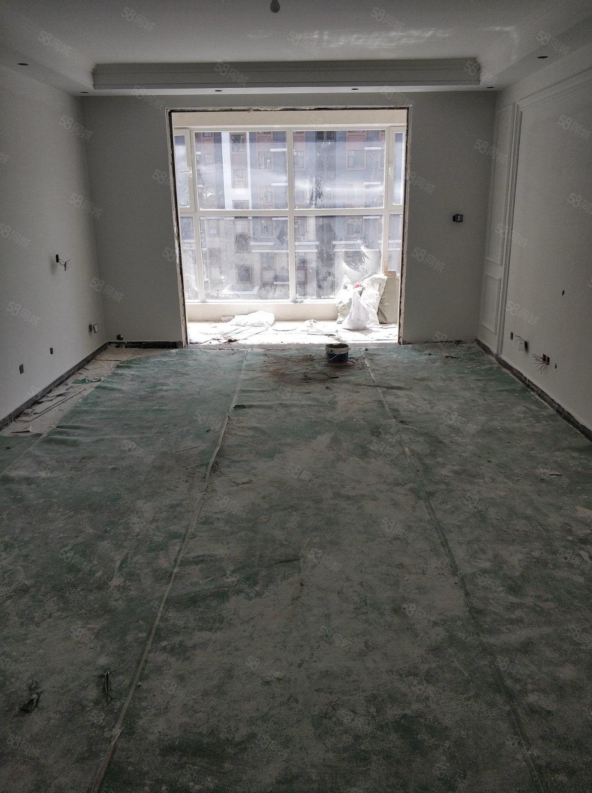环球金水湾四室两厅两卫已铺地砖东户带车位储藏室可看房