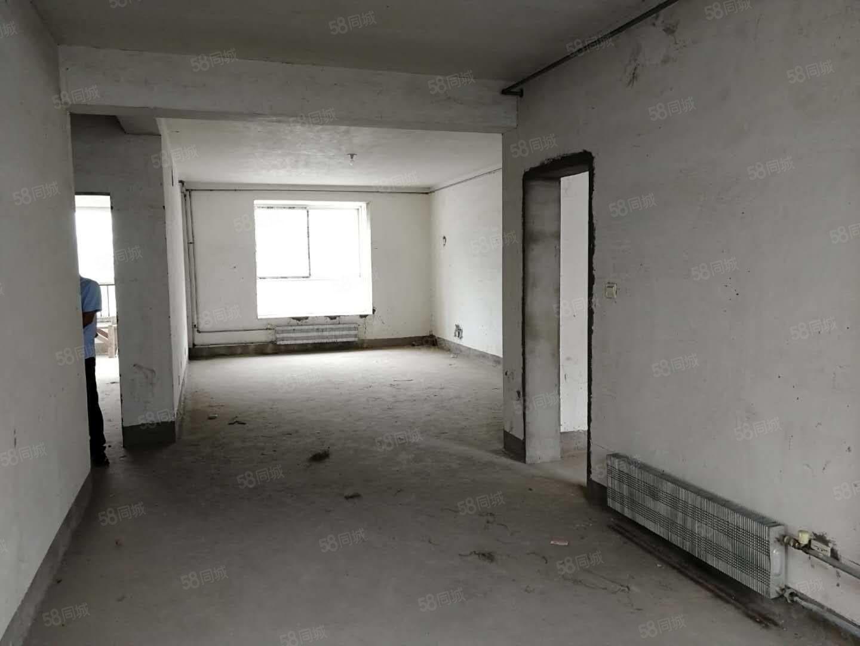 常绿九天庄园3楼方正大四居室有证南北通透看房方便可贷款双气!