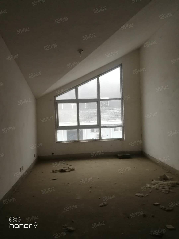 单价3500大产权住宅,买两房送一房。带露台