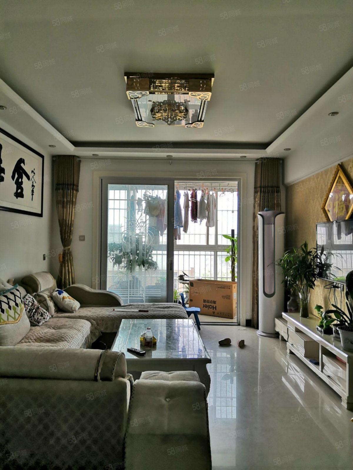 银基万和苑二期3室2厅2卫精装送家具家电有证可按揭65万