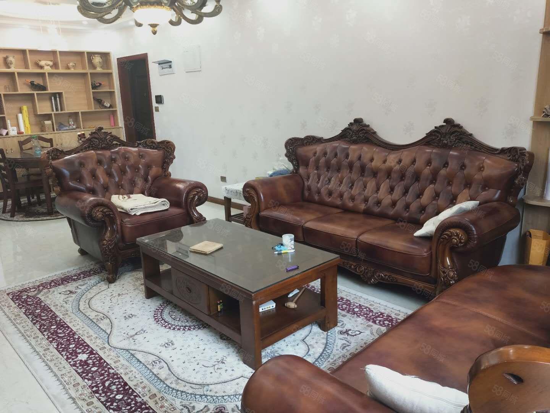 香山国际豪装三房,即买即住,全实木家具超实惠