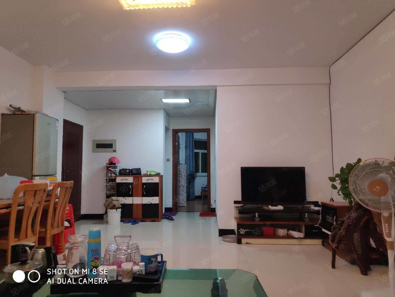 鑫隆小区,业主新装修,读实小,面积93.42平,大2房,送杂