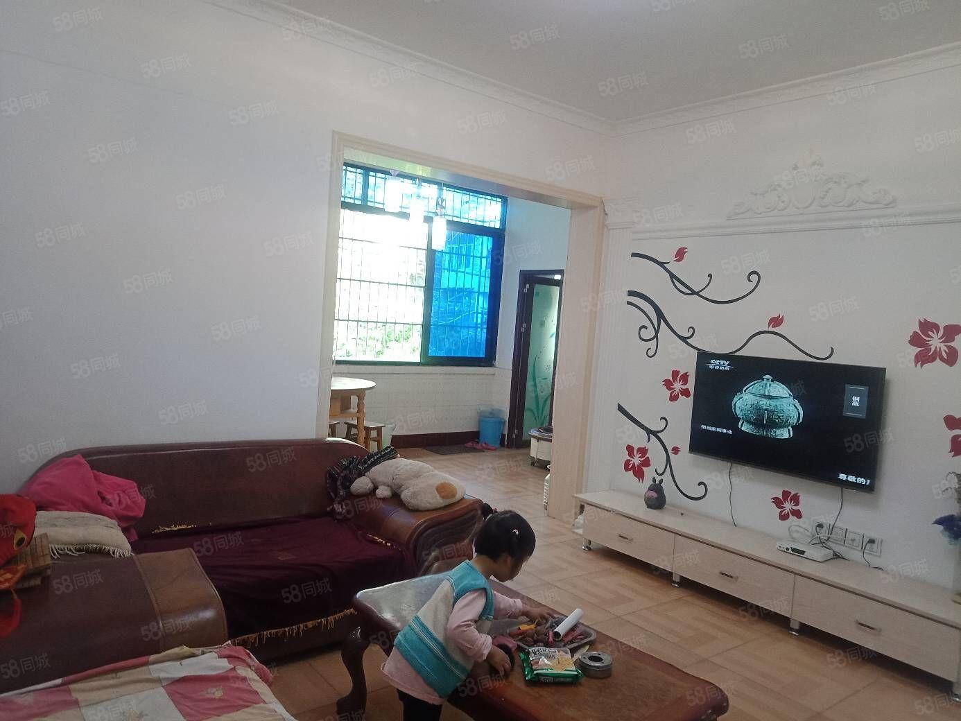赤城名都旁2楼家具齐全拿着被子锅碗就可入住欢迎随时可看房。