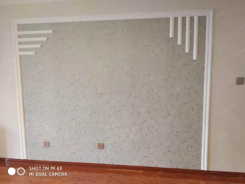 东方明珠城D区6加1的76平米2室精装送下房