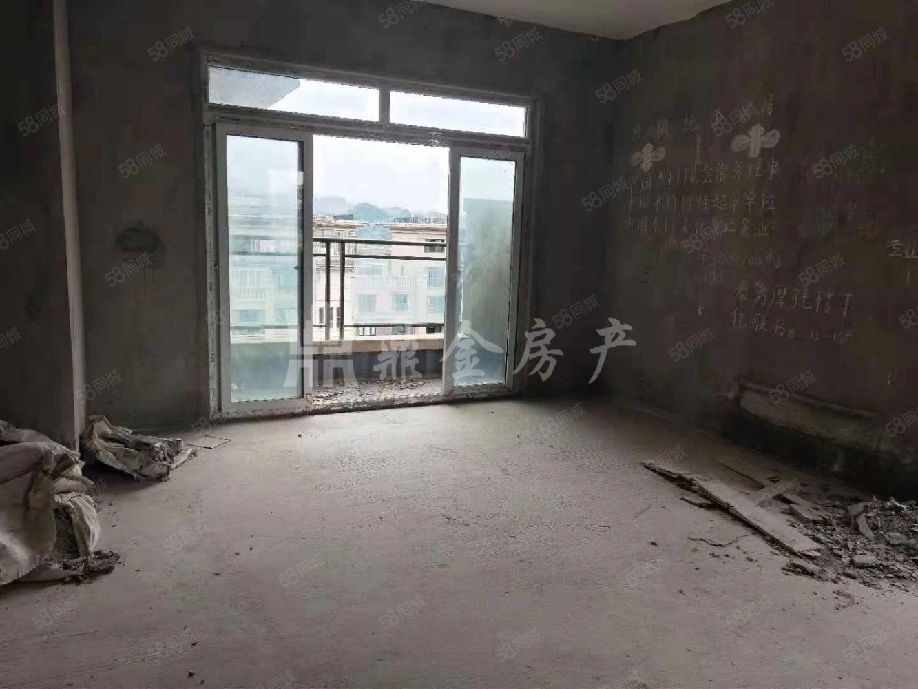臨體育館隆鑫花漾城躍層三房三衛業主誠心賣端頭戶型采光充足