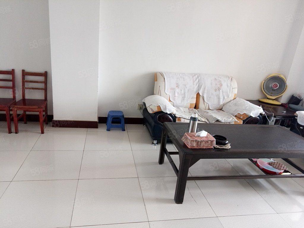 精正家園兩室兩廳一衛簡單裝修產權明晰支持按揭和公積金貸款.
