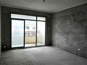 仅70万元的3室2厅2卫2阳台,67复式毛坯房!
