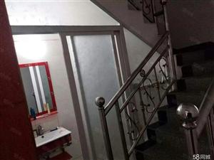 姚李镇,圆中圆附近,一间门面前后2层,精装修出售。