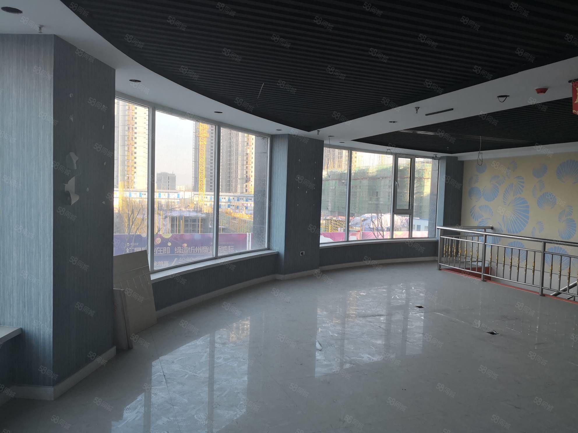 泛华城市广临街门面160平米精装出租年租8万随时看房