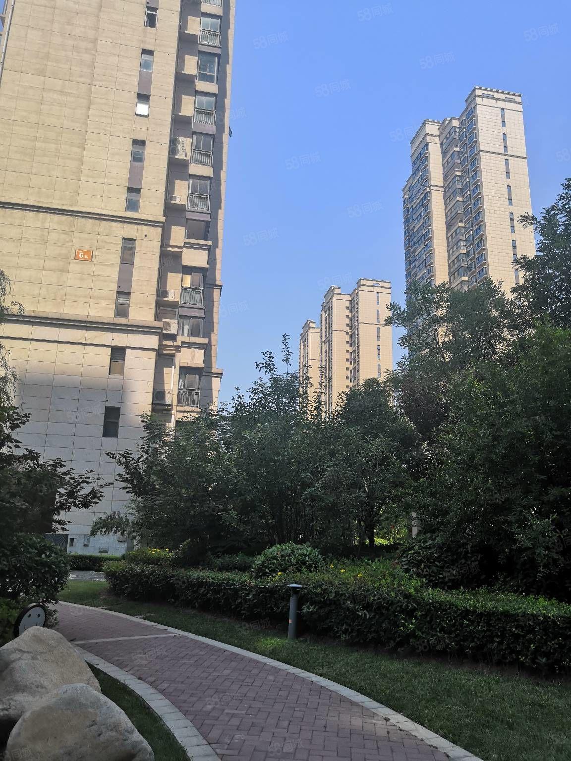 蓝湾翠园4室2厅2卫181平毛坯新房有证可分期送私家车位