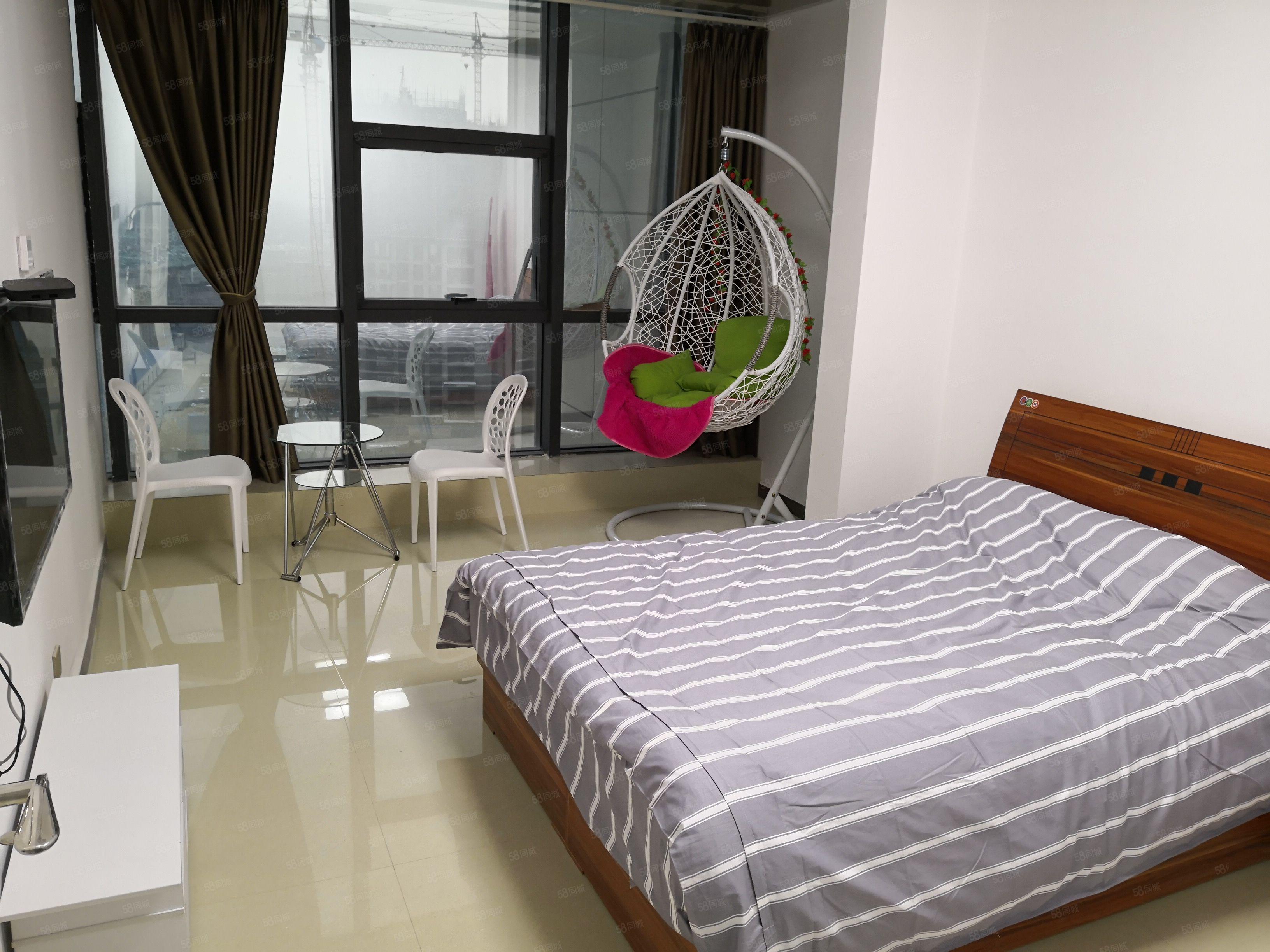 河南省川汇区佳丽金色7号楼(苏荷公寓)精装两居公寓短租,月租