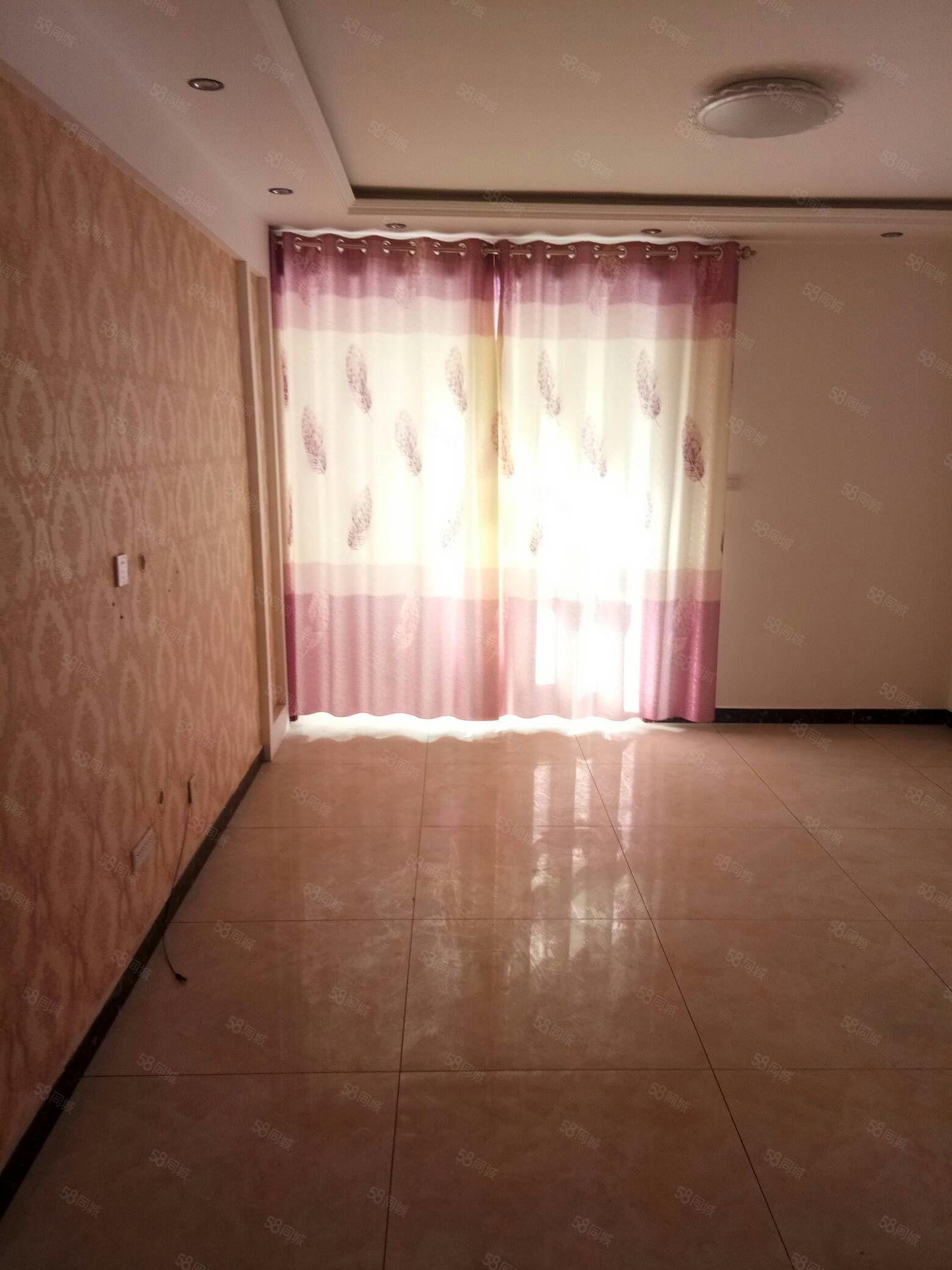 出售一室一厅非公寓,地段好,设施齐全