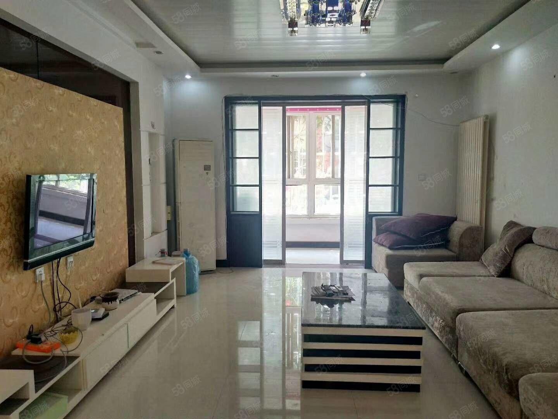 領秀城步梯一樓三室兩廳兩中裝130平家具家電齊全63萬可分期